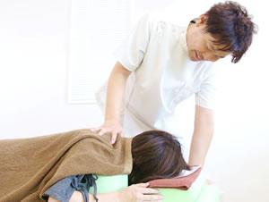 山梨県笛吹市 ふえふき整骨院:頭痛の施術写真